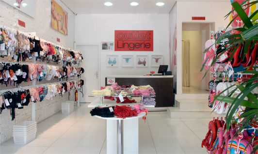 ea304fc79 A Outlet Lingerie trouxe as consumidoras um novo conceito de vestir moda  íntima.