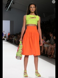 2912373-color-blocking-neon-laranja-950x0-4