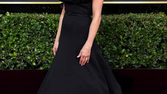 """Jennifer Aniston usa seu """"uniforme"""" de premiação no Globo de Ouro"""